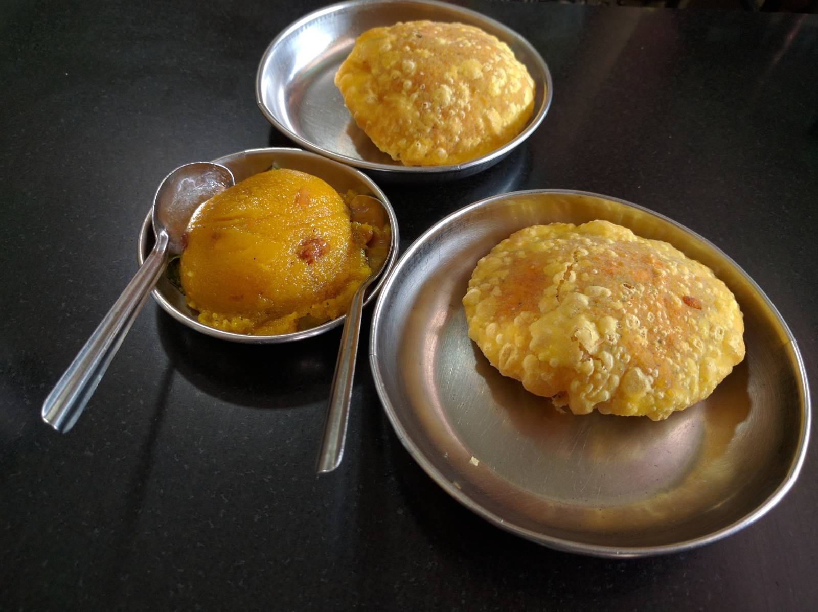 Biscuit Rotti and Sheera